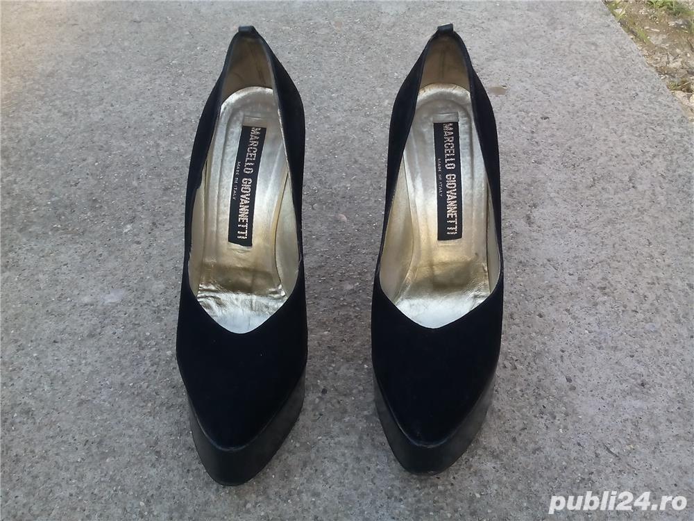 Pantofi Marcello Giovannetti piele întoarsă negri