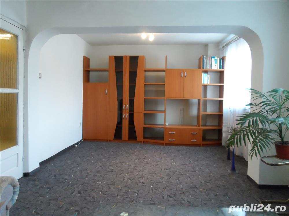 Vand  apartament 3 cam., 76mp,  DECOMANDAT, 2 bai, 2 balcoane, RENOVAT