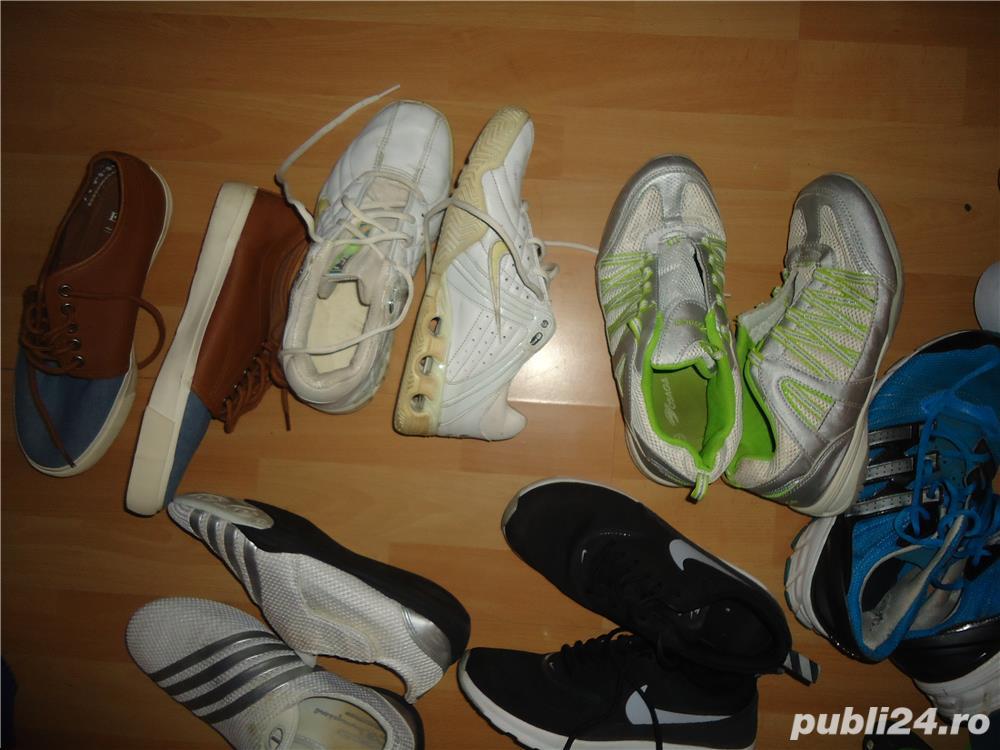 Adidasi si tenesi diferite modele si marimii