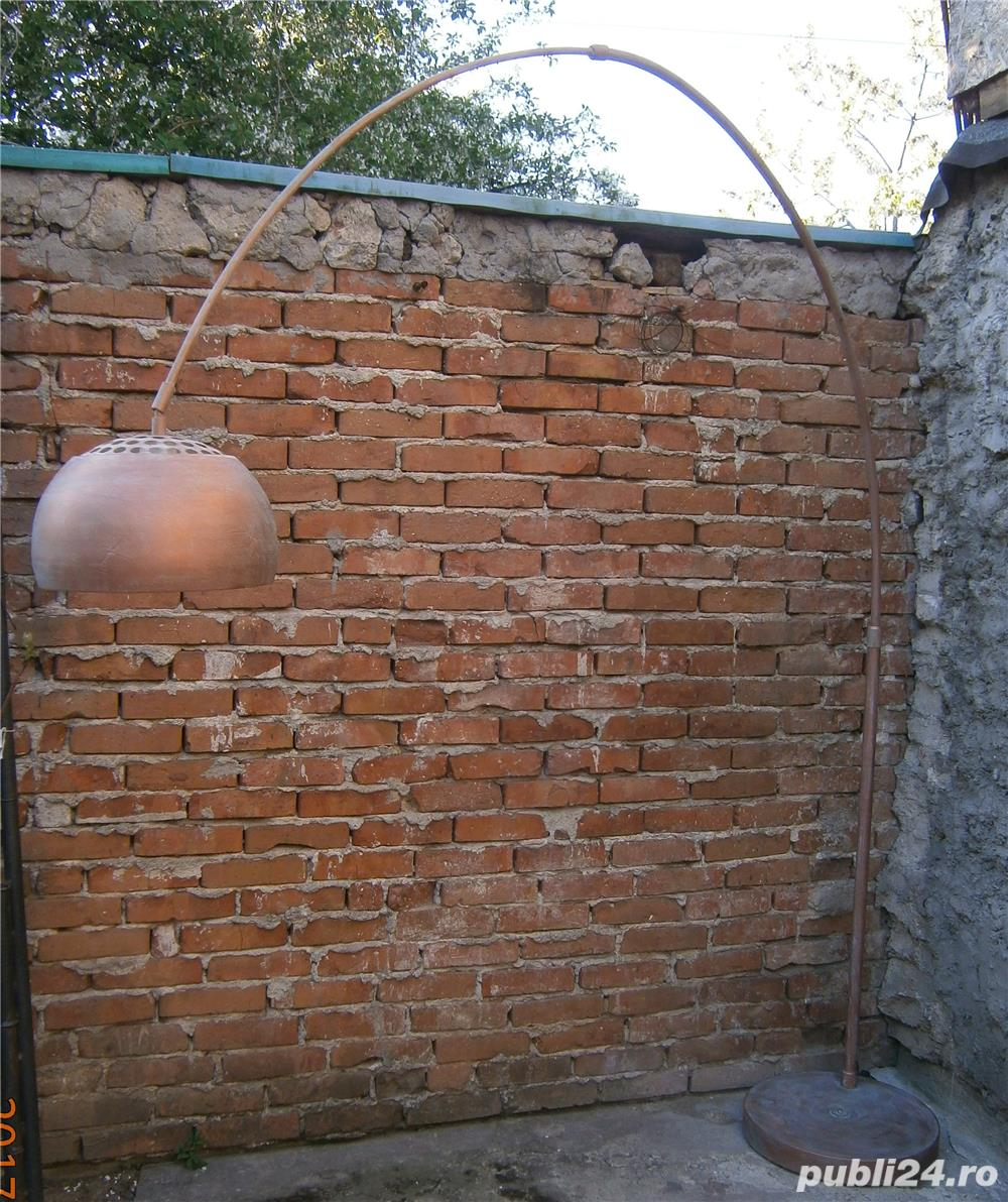 Lampadar cu picior reglabil si abajur metalic  (Lampa/Veioza/Corp iluminat)