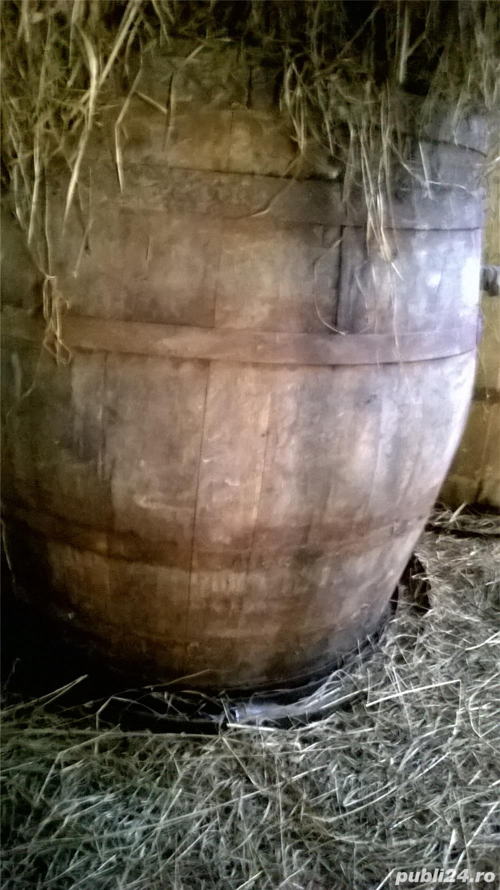 Vand butoaie de lemn si hambar cereale