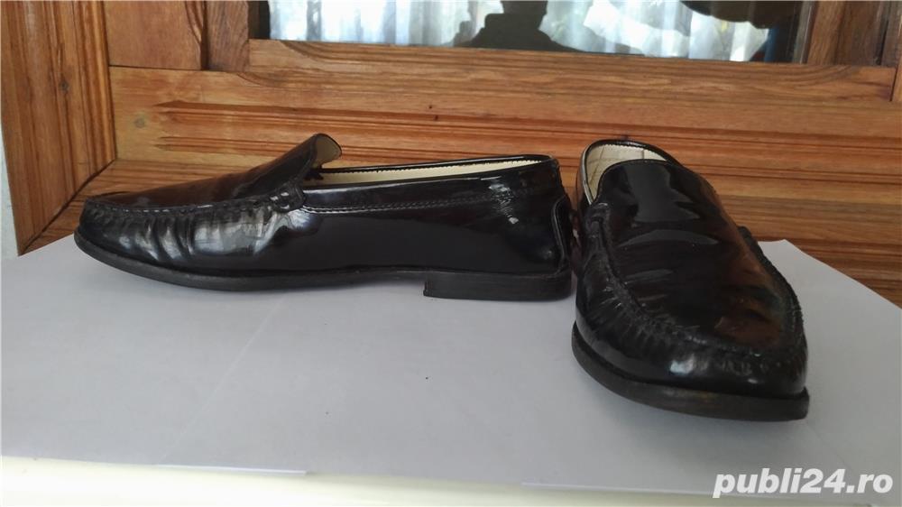 Pantofi negri de lac