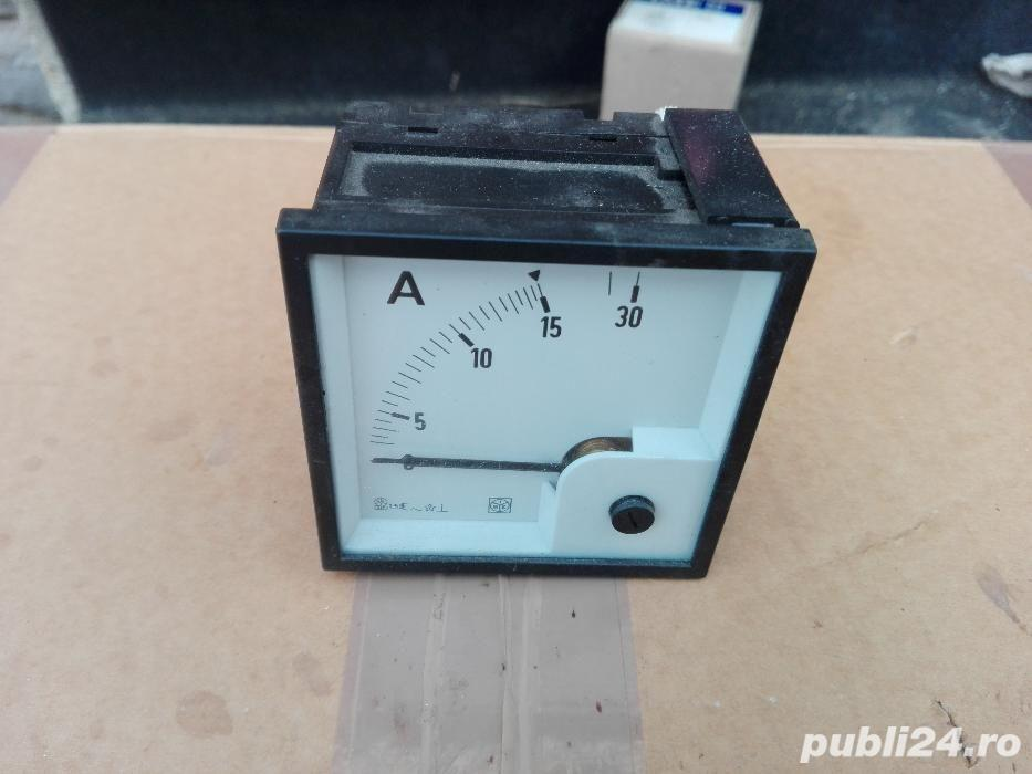 Ampermetru analogic de panou