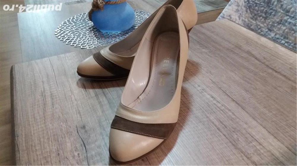 Pantofi bej cu maro din piele , 40-41