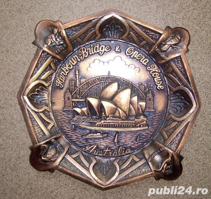 Placheta in relief, aplica bronz tema Australia Harbor Bridge & Opera