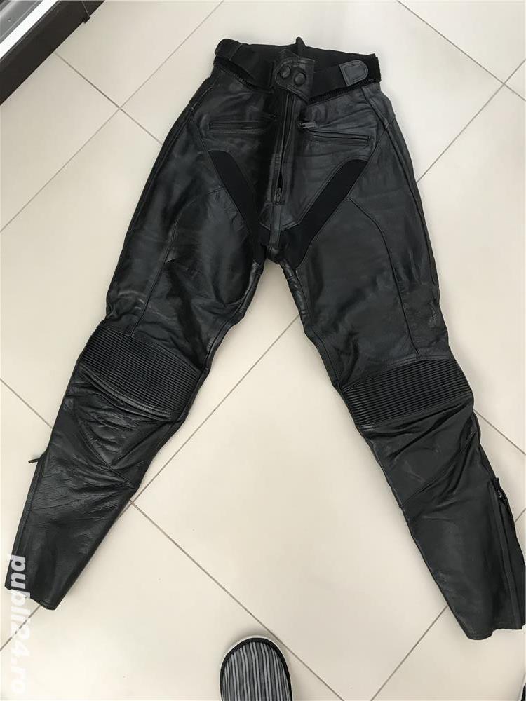 Vand pantaloni moto cu protectii