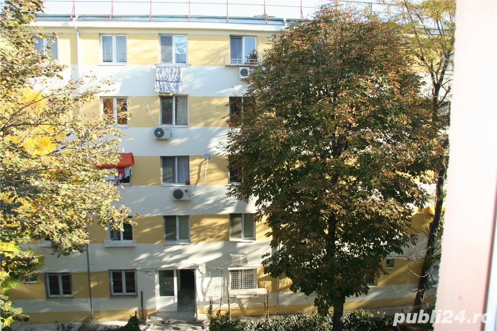 DOAMNA GHICA - Baicului (Str. Vasile Stolnicul), vanzare apartament 3 camere, etaj 3/4