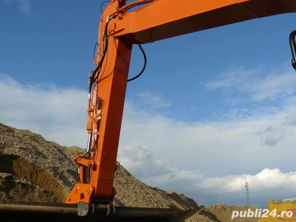 Brat excavare buldoexcavator, excavator, tractor.