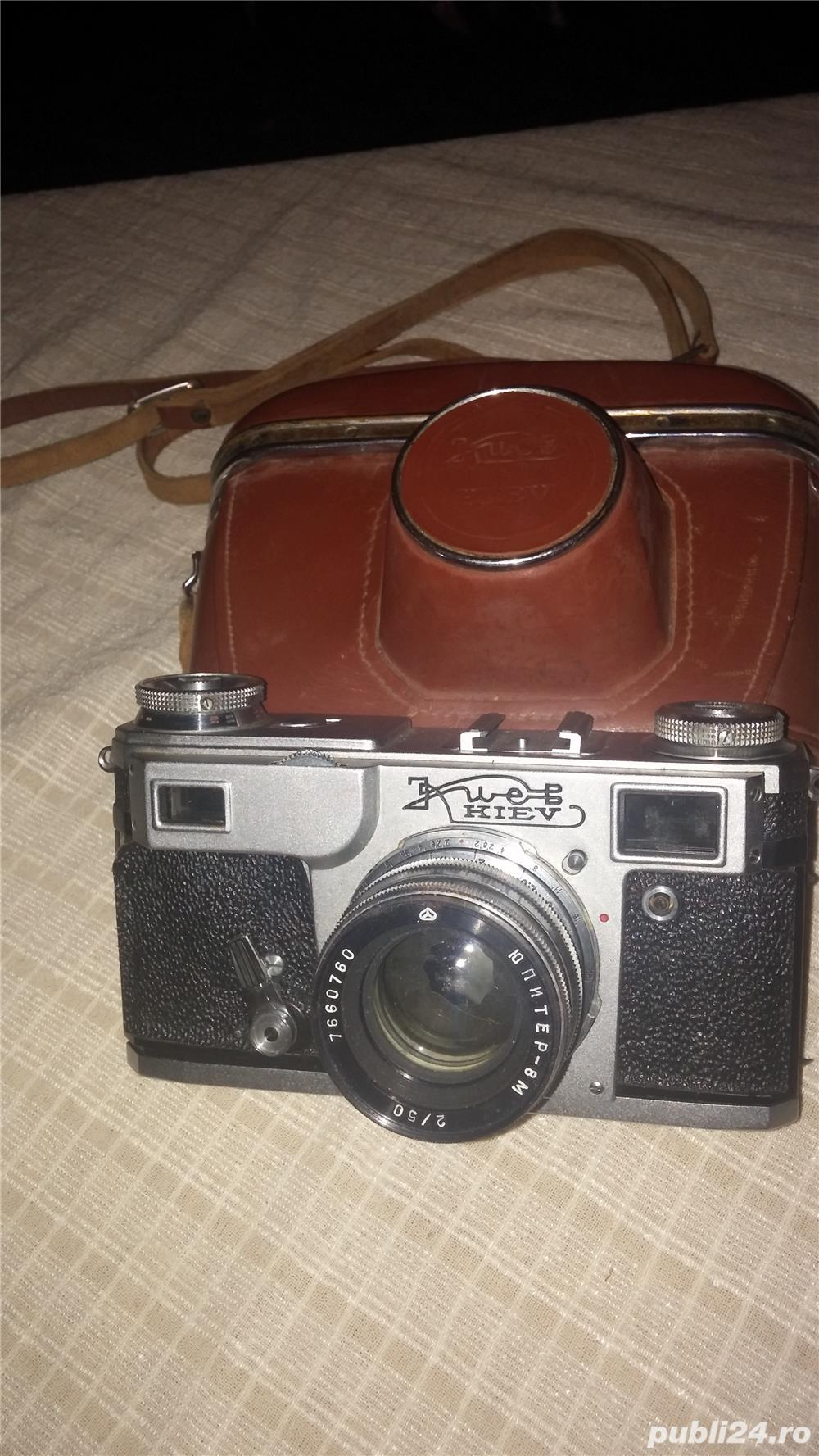 Aparate foto de generatie veche cu film