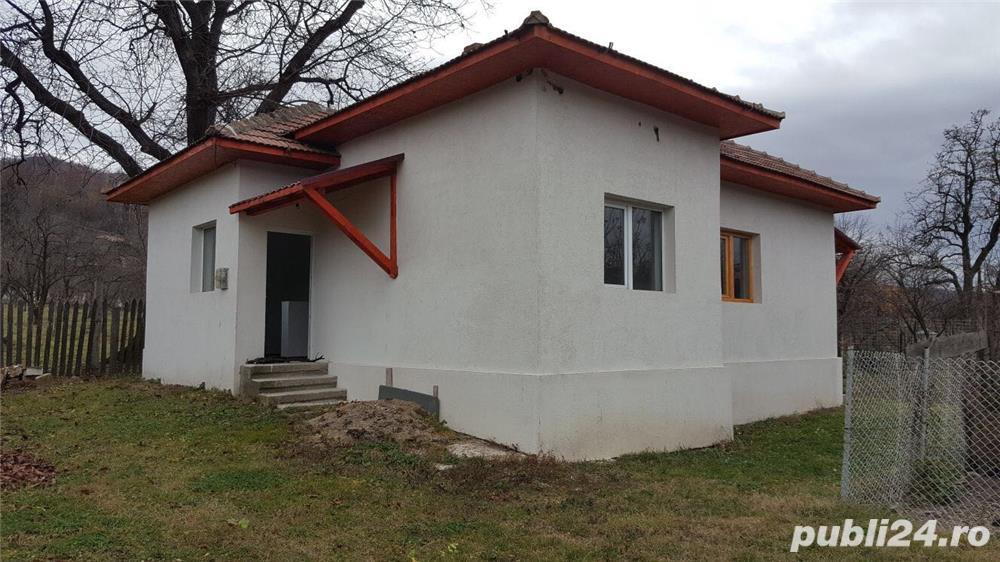Casa de vanzare in comuna Cerasu-Prahova Suprafata totala 700 mp.