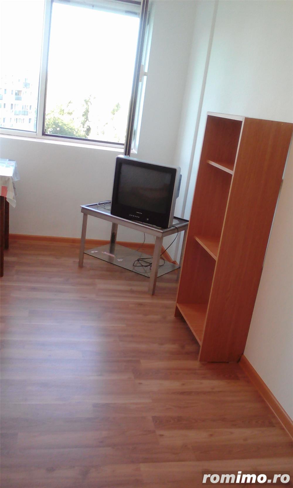 Particular , schimb / vand apartament 3 camere cf1 LIBER , METROU Gorjului , Stradal Bd Iuliu Maniu