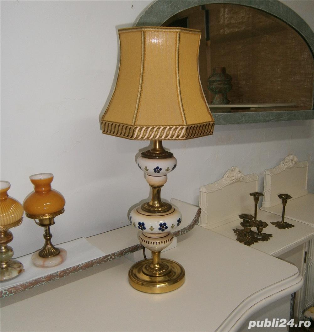 Lampadar vechi cu picior din portelan si metal (Lampa/Veioza abajur)