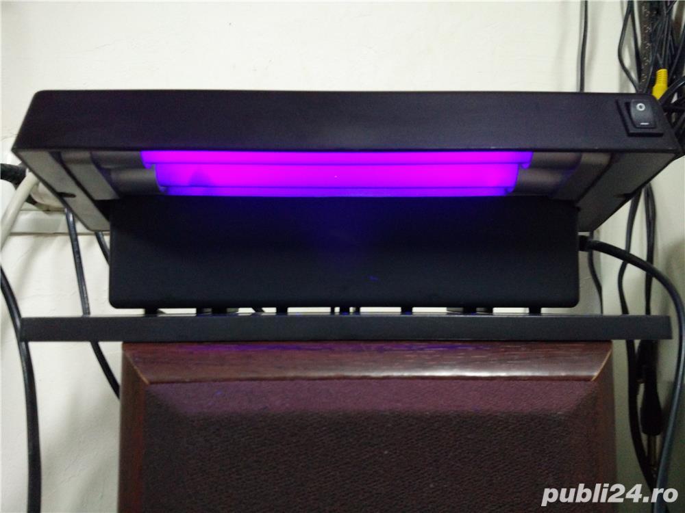 Lampa UV verificat bancnote