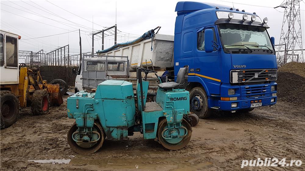 Inchiriez buldoexcavator bobcat miniexcavator