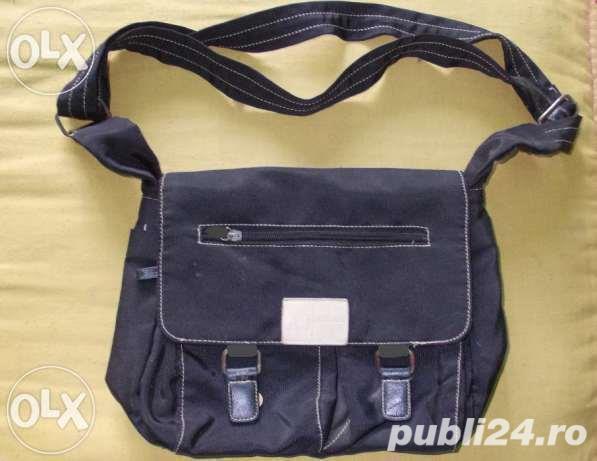 Geanta f frumoasa de la ARMANI Jeans, piele+material impermeabil, marime medie, culoare neagra