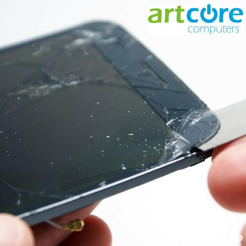 Schimbare sticla si display telefoane mobile la Artcore Computers Iasi