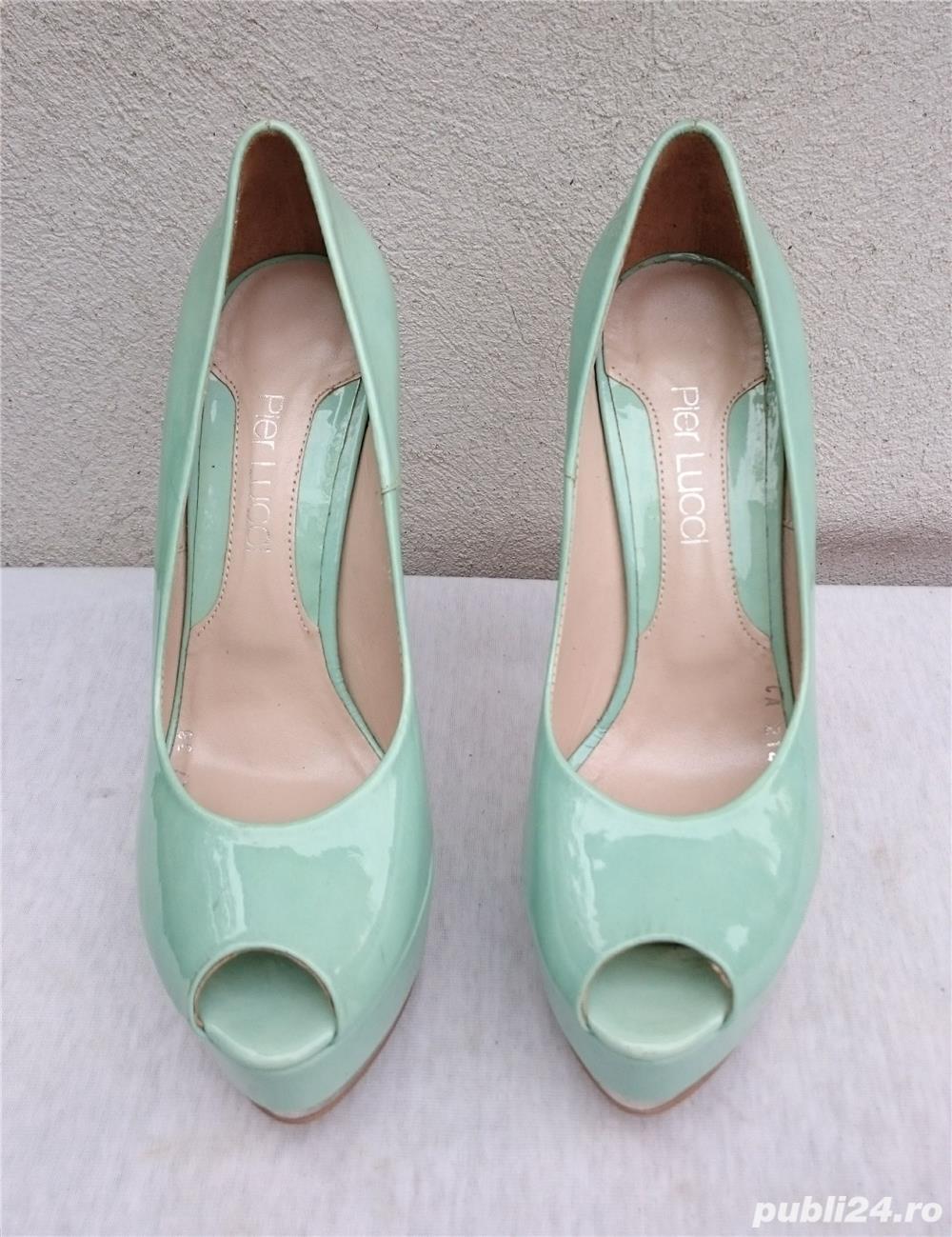 Pantofi dama eleganti din piele lacuita cu toc si platforma Pier Lucci