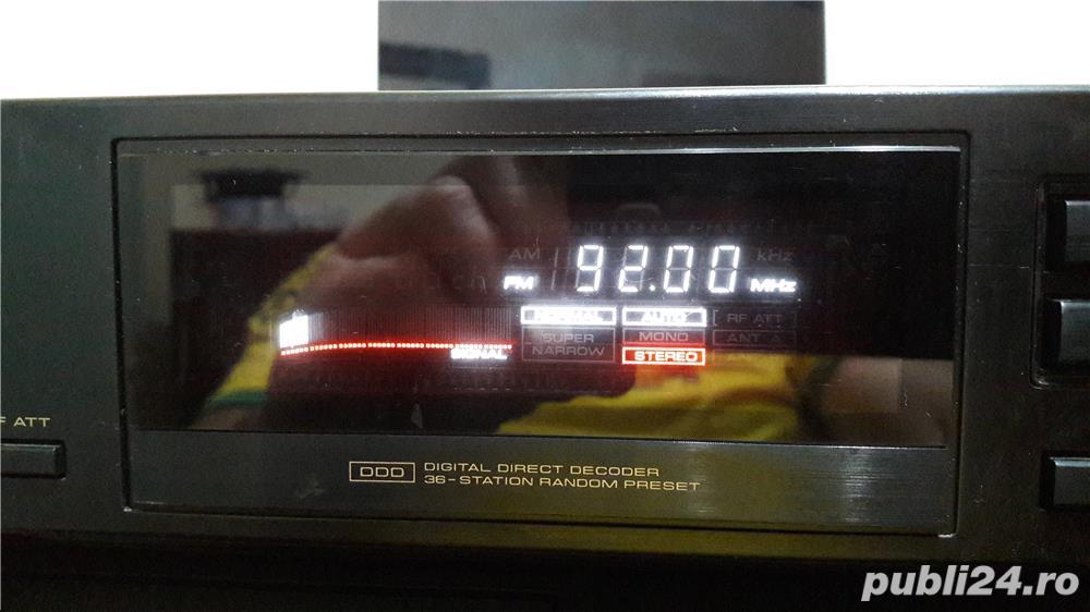 Pioneer F-449sr FM/AM digital synthesizer tuner