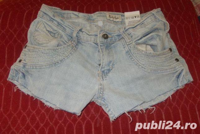 pantaloni scurti de blugi, model superb, denim elastic, stare perfecta, marimi S, M, L