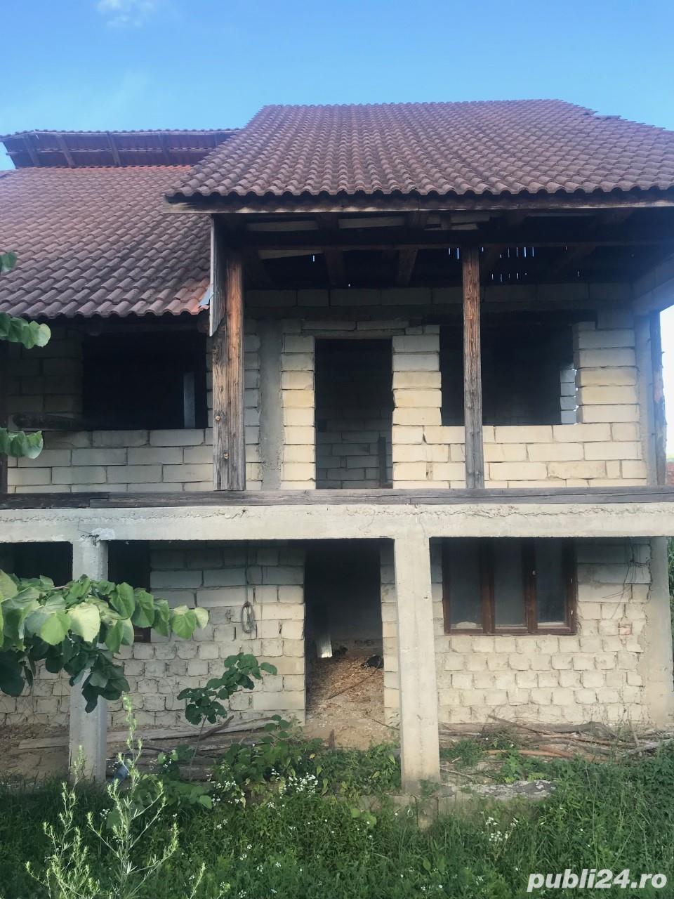 Vanzare  casa  6 camere Gorj, Dolcesti  - 35 EURO