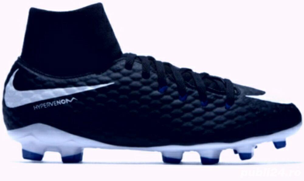 Vand ghete de fotbal pentru iarba marca Nike,  model Hypervenom Phenom III DF FG Jr