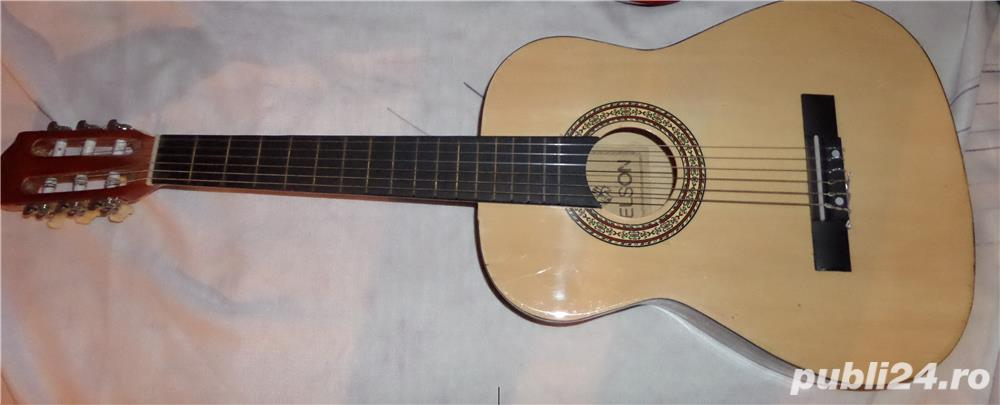 chitara acustica aproape noua