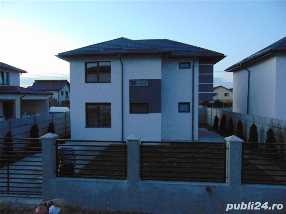 FARA COMISIOANE casa cu 4 camere 2 bai P+1+pod terasa utilitati canalizare in Chiajna merita vazuta