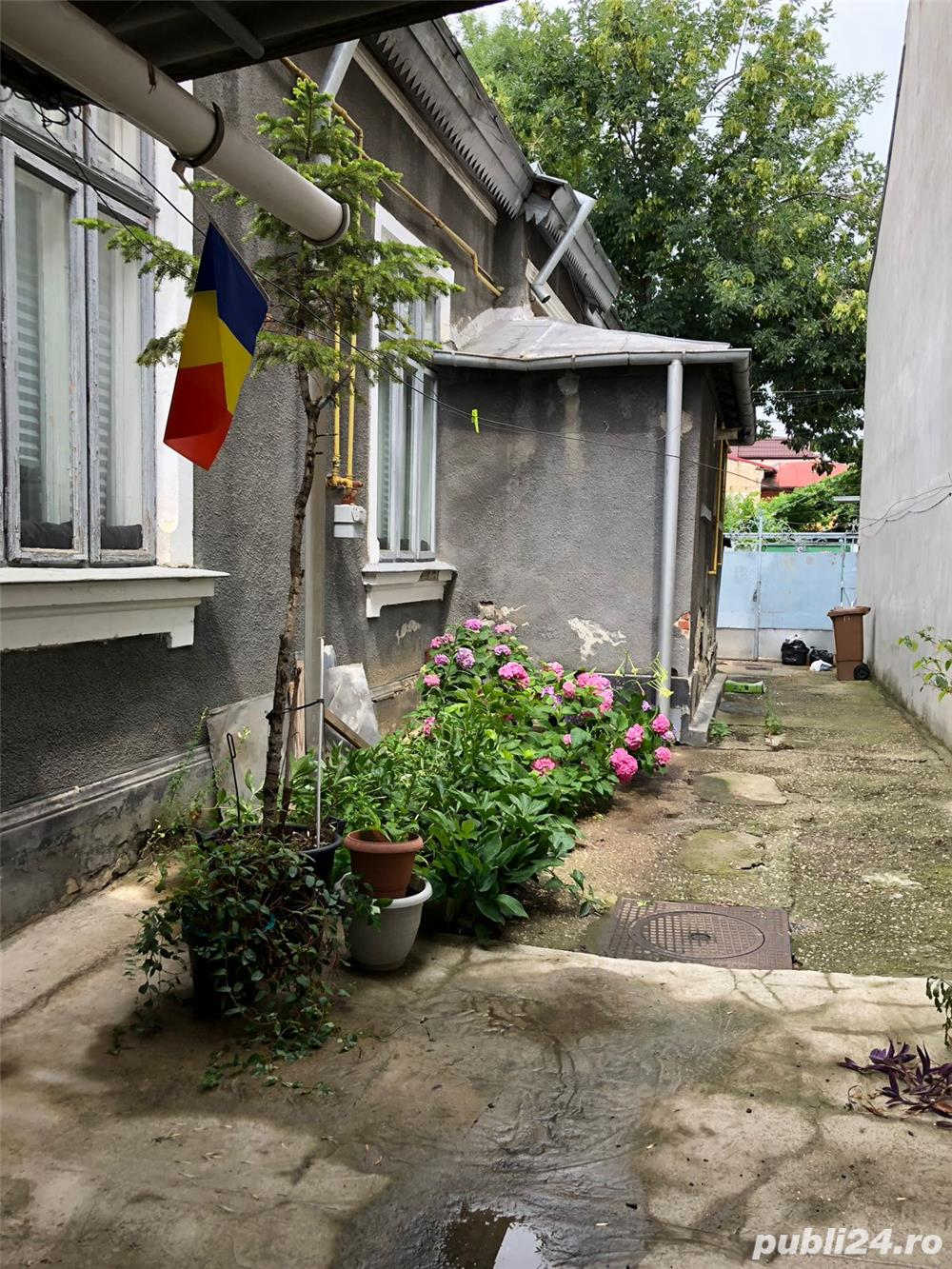 Vand casa la curte Matei Basarab - Popa Nan - Piata Alba Iulia