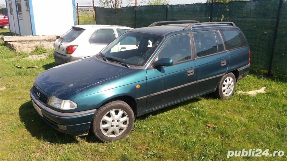 Dezmembrez Opel Astra F