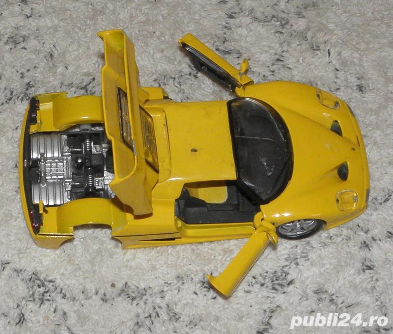 Macheta Ferrari F50, Bburago scara 1/24,galbena,lipsa 2 roti