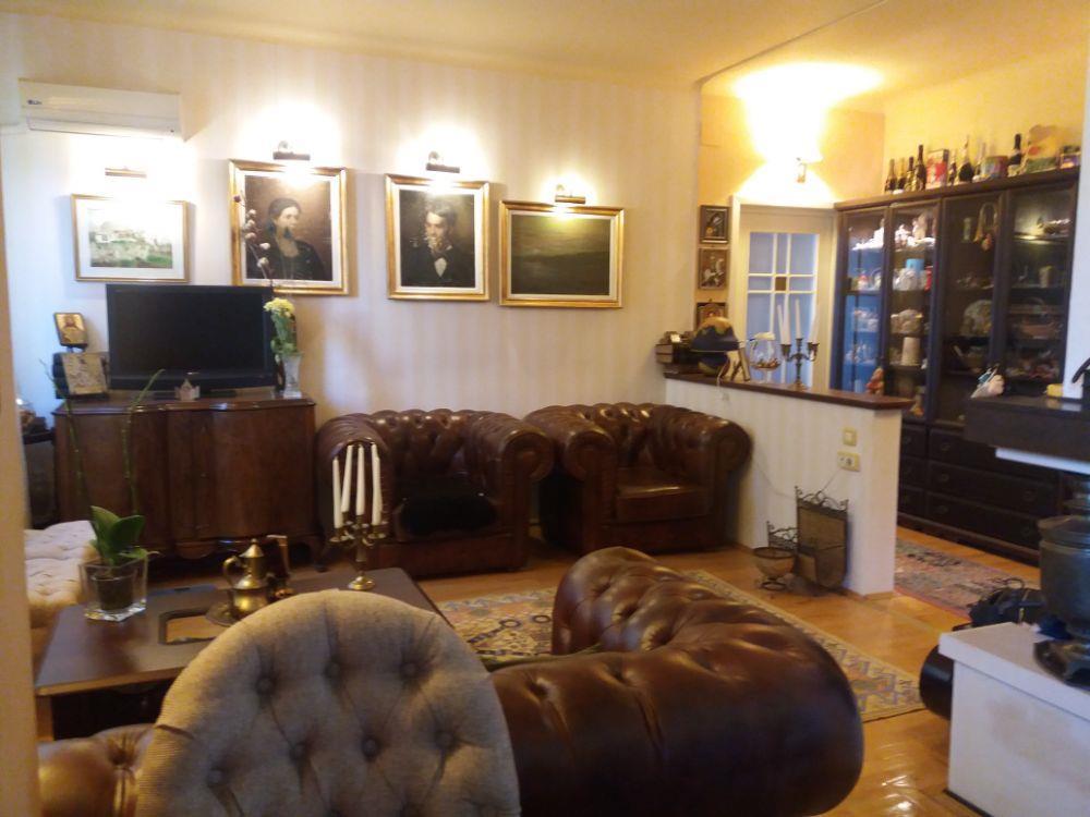 Casa de Cultura -2 camere decomandate confort lux-85000euro
