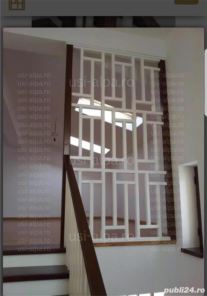 Vând casa cu etaj in Peciu nou
