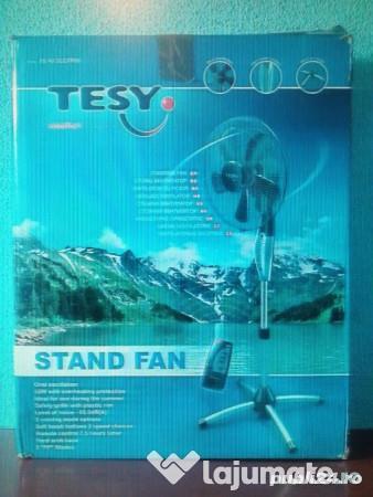 Ventilator cu picior si telecomanda consum foarte mic de energie