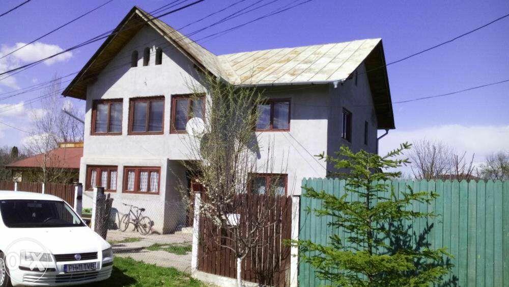 Casa cu etaj Snagov lînga vila lui Ceausescu