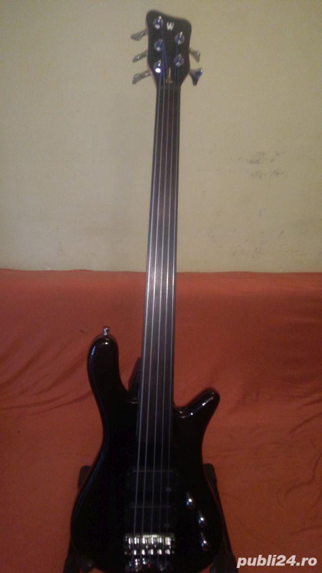 Bass Fretless 5 corzi Warwick