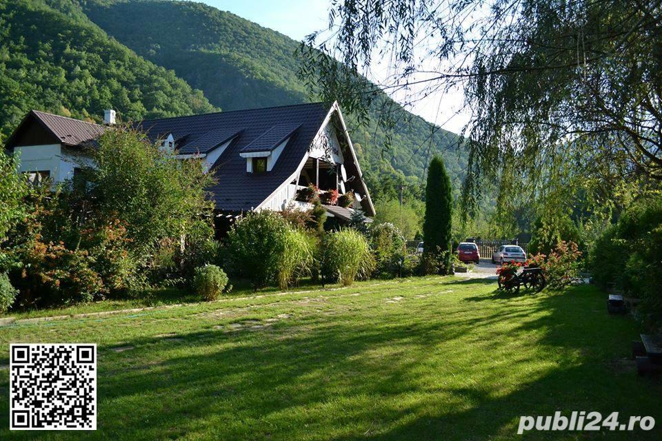 Pensiunea Dumbrăvița - cazare cu tichete/card de vacanță in Retezat!