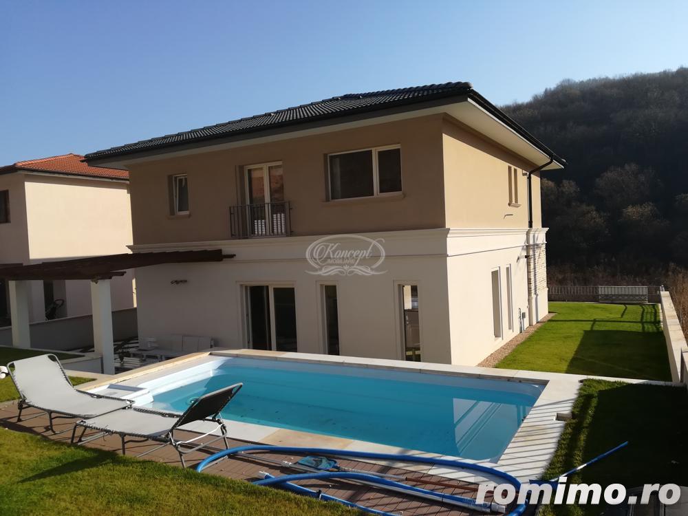 Vilă ultrafinisata, cu piscina si gradina, zona Tautiului