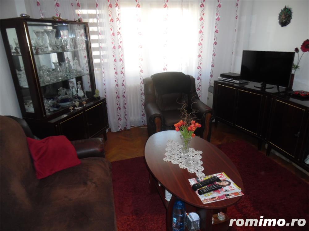 Vand apartament 3 camere decomandat in Deva, zona ultracentrala, (Bulevardul Decebal),