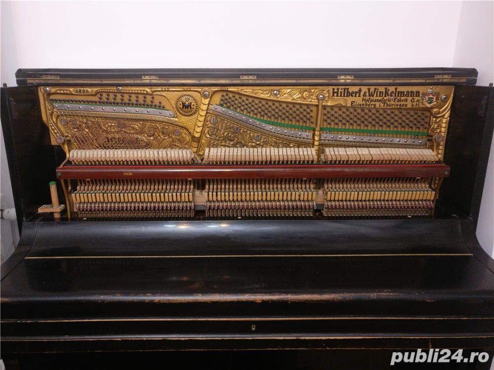Pianina Hilbert Winkelmann placa bronz Germania