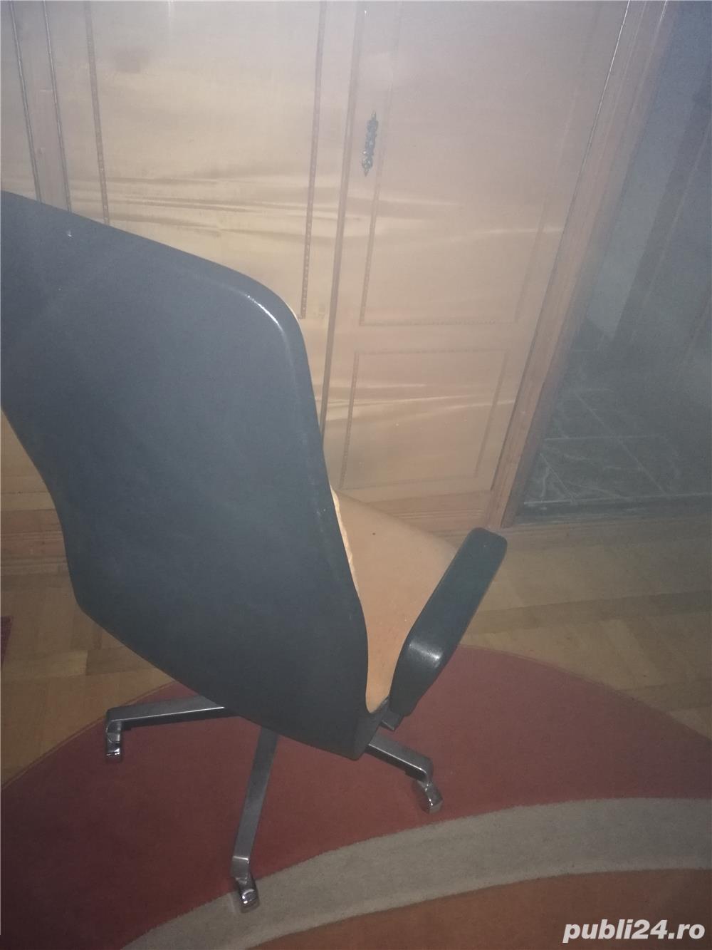 Birou elev/student și scaun ergonomic