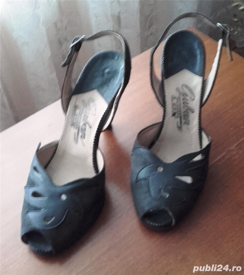 Sandale negre din piele întoarsă, naturala