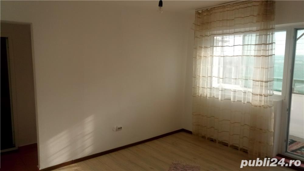 Apartament 3 camere-Harsova-Centru