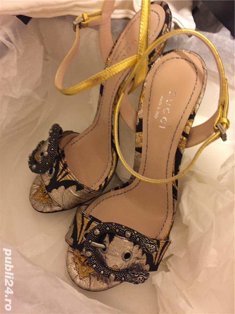 Sandale dama Gucci sandy fllurjacq gold silk,produs original.