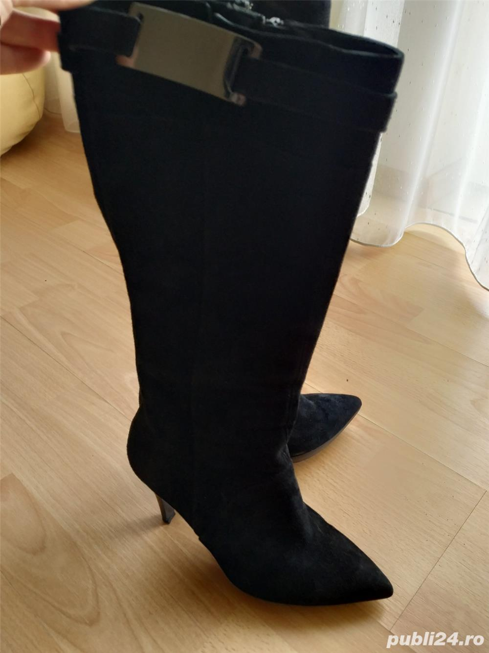 Vand cizme din piele intoarsa pentru femei marimea 39