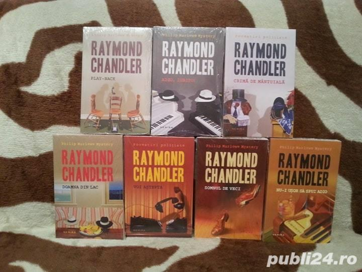 RAYMOND CHANDLER CARTI POLITISTE (7 VOL)