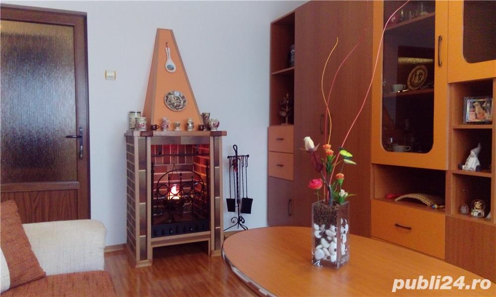 Apartament 3 camere la cheie+ pivniţă mare cu uşă de fier