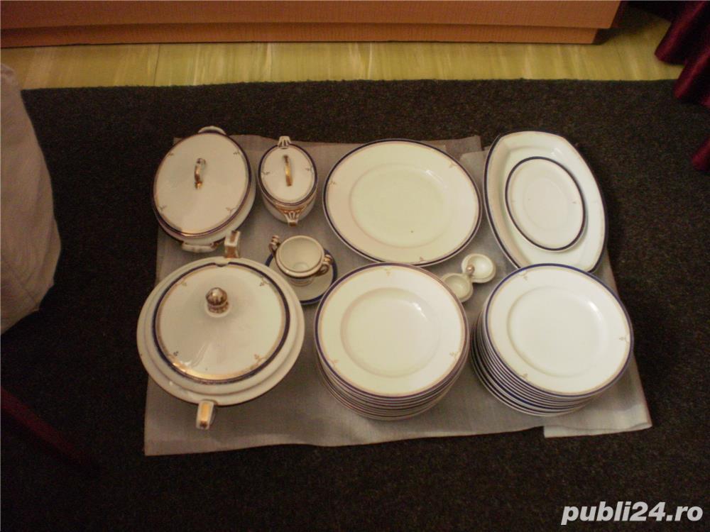 Serviciu portelan nemtesc de masa, 35 piese, cu suporturi oua