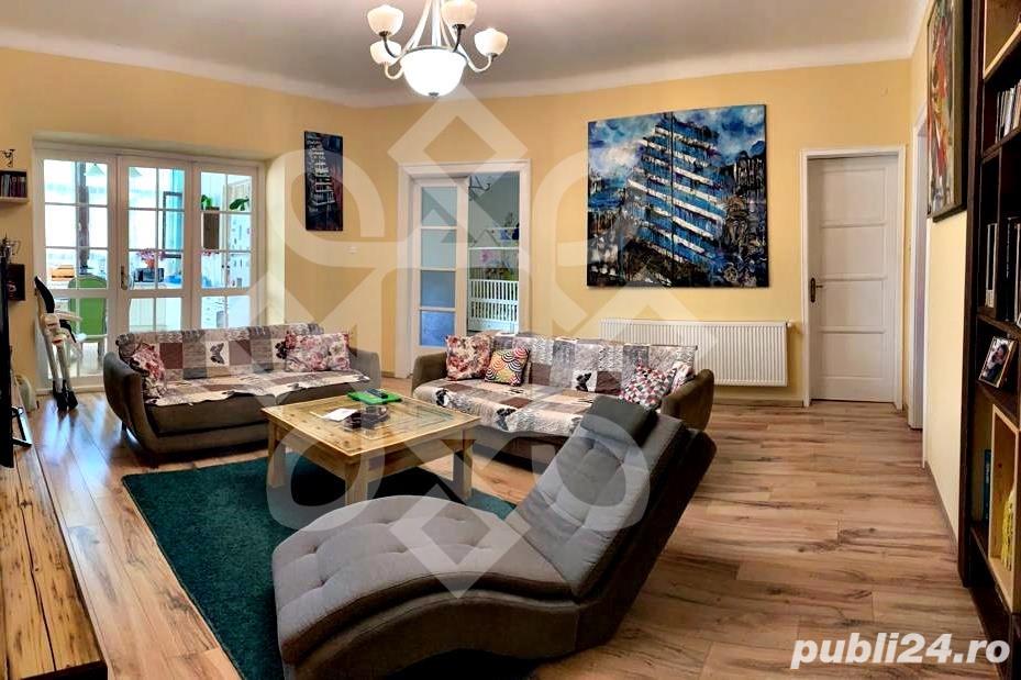 Apartament trei camere de vanzare, zona Magheru, Oradea AV022