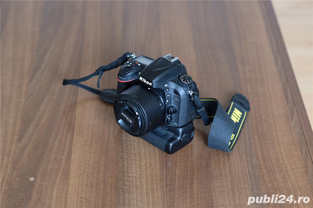 Nikon D600 Full Frame impecabil + grip + obiectiv Nikon 50mm f1.8