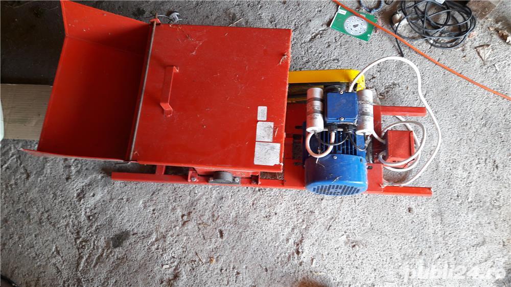 Zdrobitor electric pentru fructe